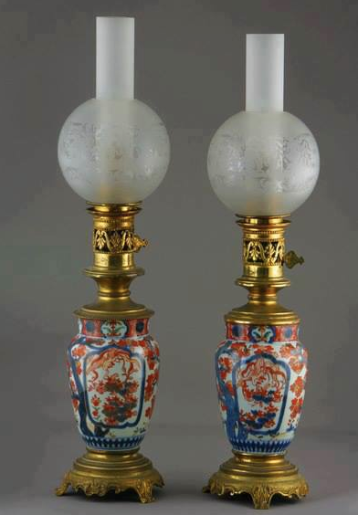 Lampes A Petrole Porcelaine Imari 19 Siecle Runglaz