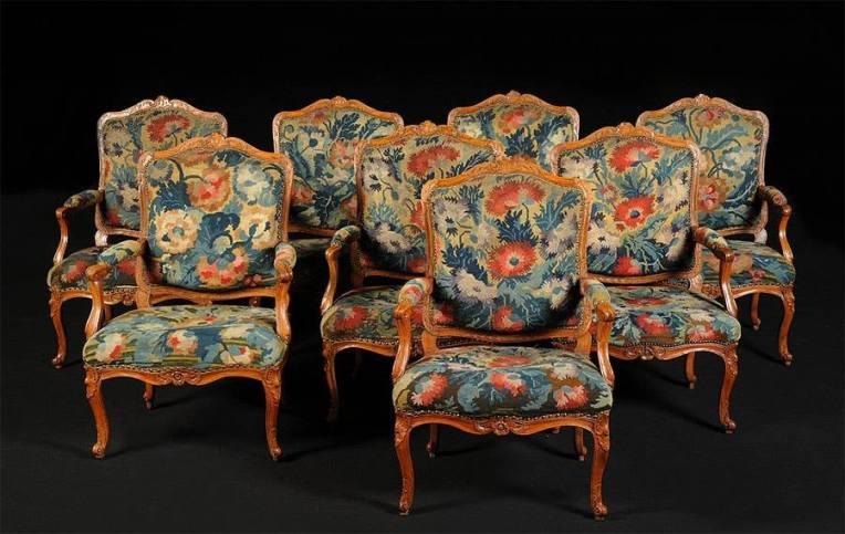 suite de 8 fauteuils d'époque Régence